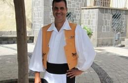 A. Luis Olivares